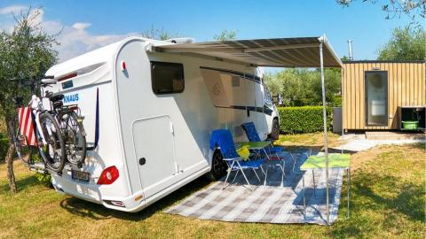 Camping pitch Comfort with private sanitary