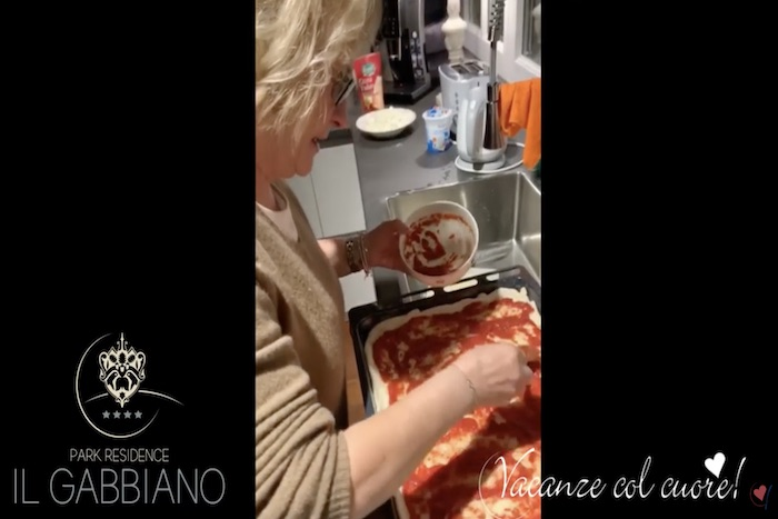 COVID-19 | How to spend time cooking italian pizza !